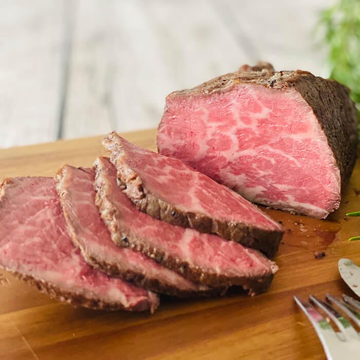 赤身肉のうまさ溢れる ローストビーフ